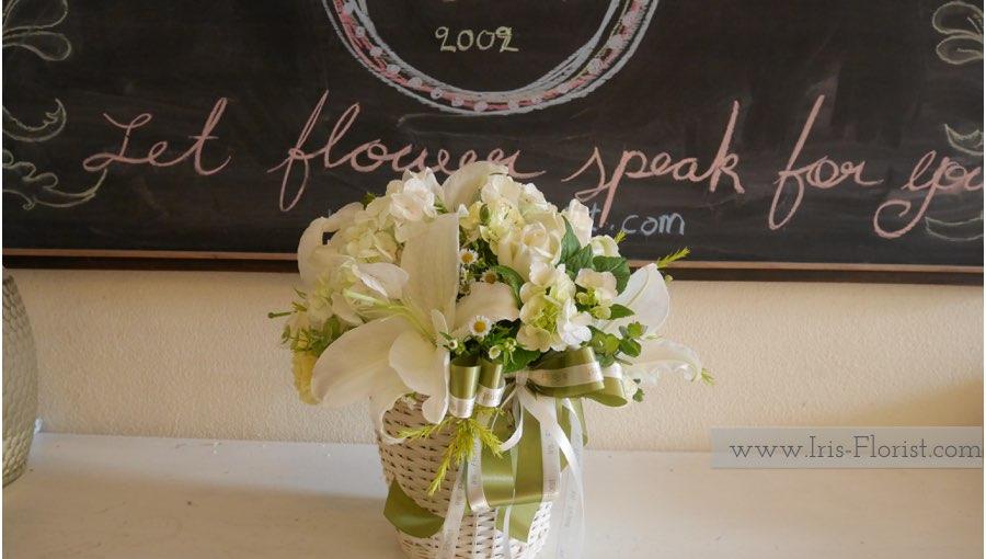 ตะกร้าดอกไม้โทนสีขาว